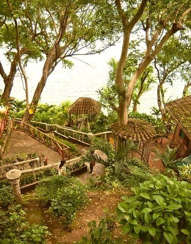 by arnoldocastillo2003 on Flickr.The path leading to Laguna de Apoyo, Nicaragua.