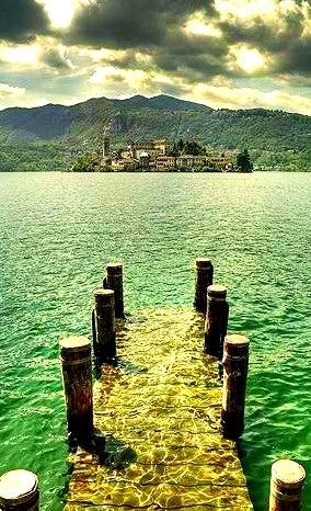 Underwater Dock, San Giulio, Italy