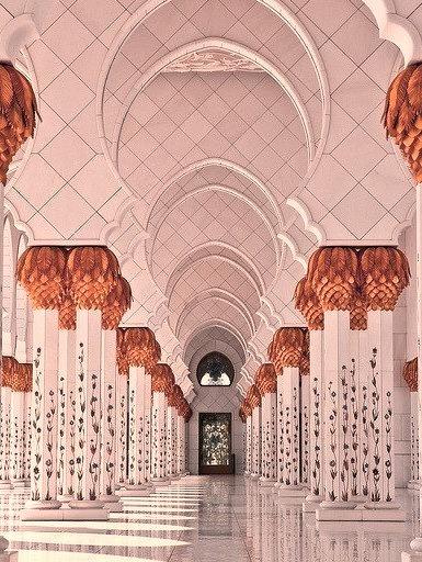 Arches at Sheikh Zayed Mosque in Abu Dhabi, United Arab Emirates