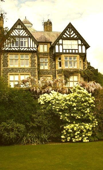 The Tudor house at Bodnant Garden / Wales